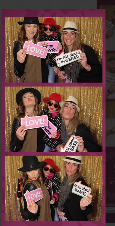 bad-photo-booth-poses